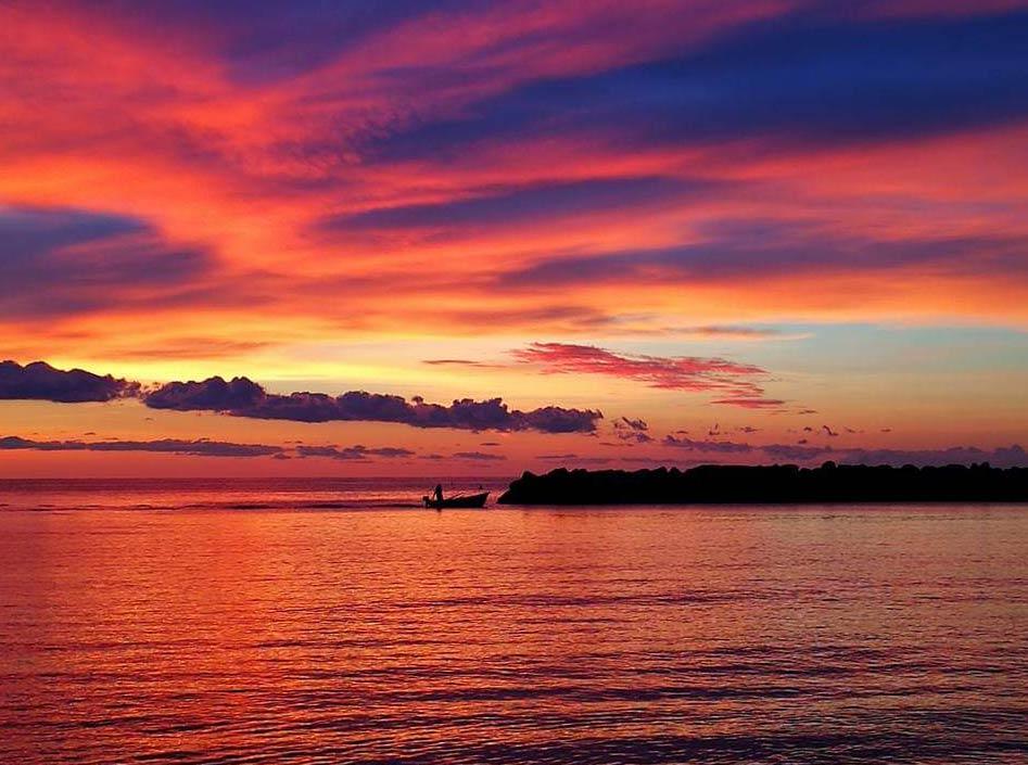 alba e tramonto in barca riviera del conero