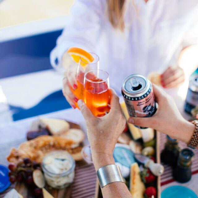 eventi e feste private barca riviera del conero